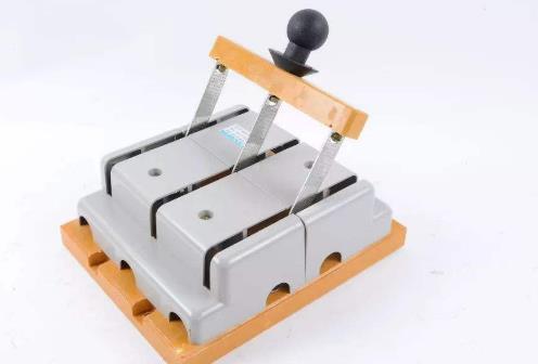 刀开关(刀闸开关) 在控制柜中的特点和作用